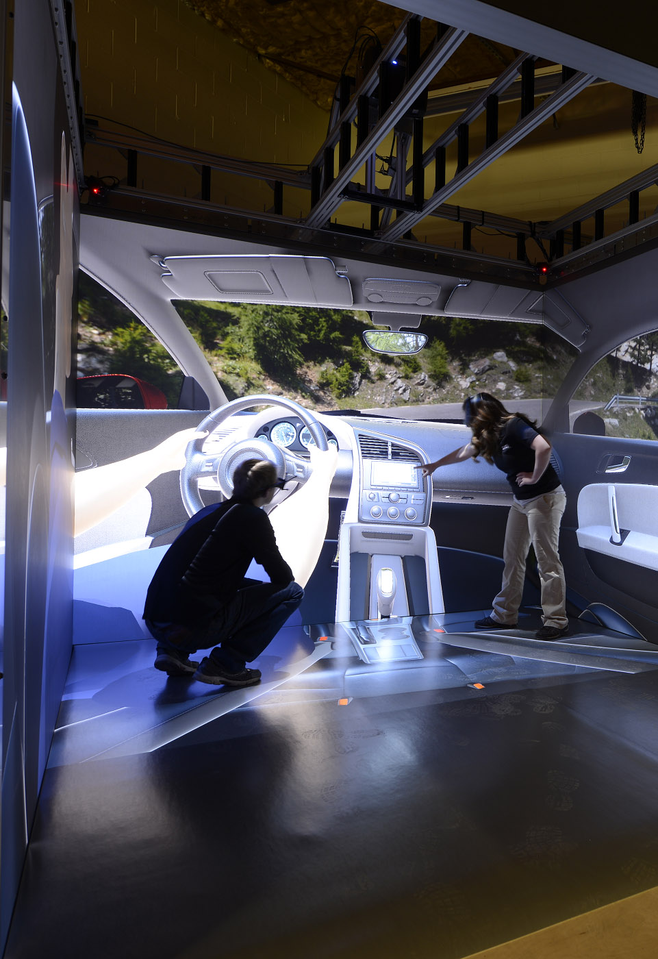 Automotive design in CAVE virtual reality