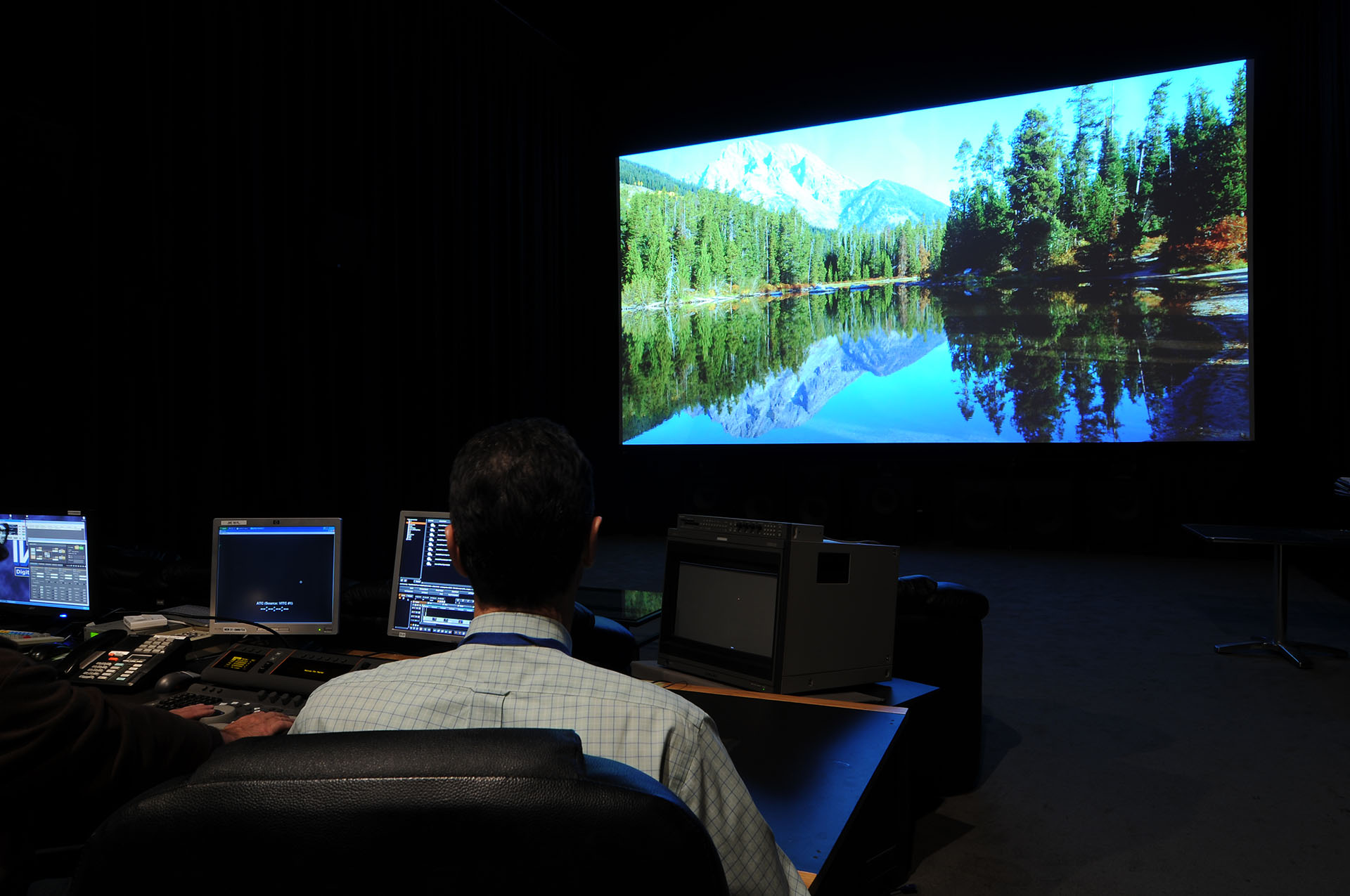 mountain lake photography shown in 4K projection