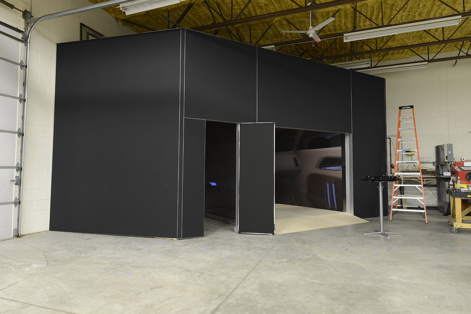IGI custom fabrication CAVE system HD projection