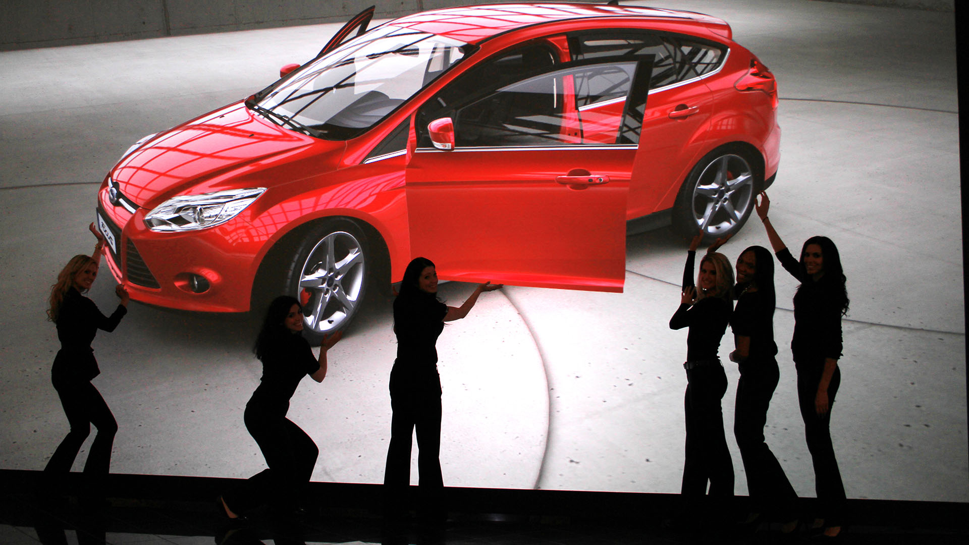 women display 4K autodesk VRED rendered automotive Ford car