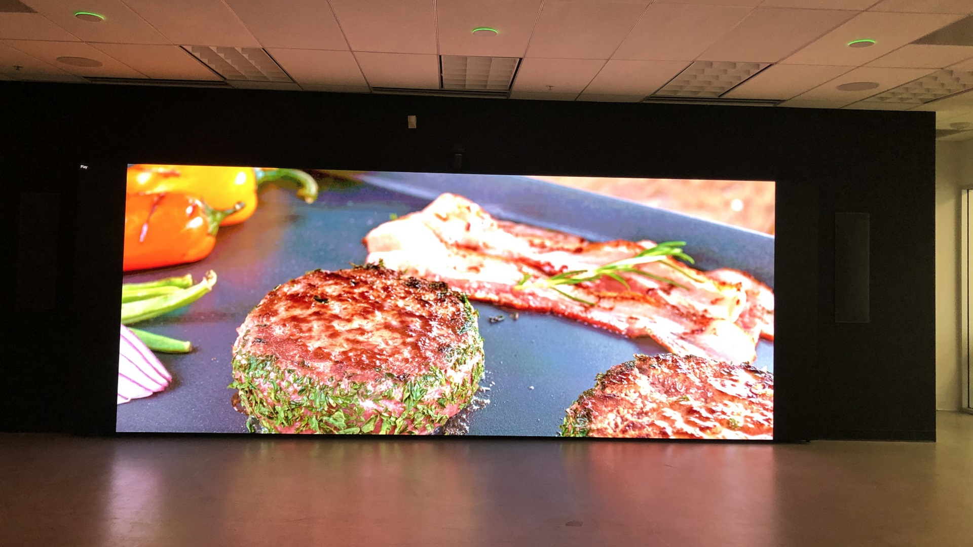 4K LED PowerWall for automotive R&D